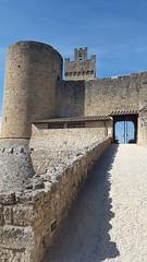 Castello di Staggia Senese (Rocca di Staggia) (marco_ask) Tags: meseottobre architettura cielo castle castel rocca fortezza franzesi poggibonsi fondazionelaroccadistaggia mura torri toscana scultura