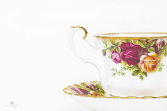 feeling rosy (rockinmonique) Tags: ggschina highkey macro china teacup roses pink gold moniquew canon canont6s tamron copyright2017moniquew