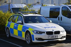 YJ65 DFD (S11 AUN) Tags: north yorkshire police bmw 330d 3series auto estate anpr traffic car rpu roads policing unit nyp rpg group 999 emergency vehicle yj65dfd