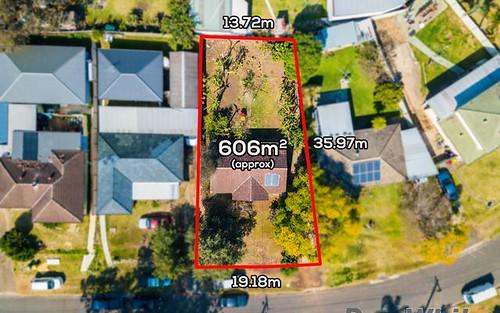 18 Dampier Cr, Fairfield West NSW 2165
