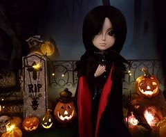 (claudine6677) Tags: taeyang sebastian asian dolls groove doll halloween samhain pumpkins pumpkin head lights night dark