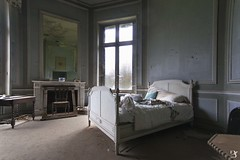bed (yle92) Tags: secondo bed bedroom room abandoned abandonedbuilding architecture abandonedhouse castle castello château beautiful building beauty vergessen verlassen memoris magnificent exploration explorer exploring rustydecay travel forgotten fineartphotographer floor photography photo old oldcastle awesome