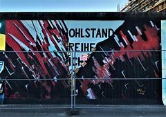 Denk-Mal, Mahn-Mal (ArtFan70) Tags: thewall berlinwall mural denkmalmahnmal rainerjehle jehle eastsidegallery friedrichshainkreuzberg friedrichshain berlin deu germany europa europe art deutschland kunst wandgemälde berlinermauer europeanunion eu wandgemalde zipper theberlinwall