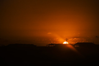 El Sol Sale Para Todos...?