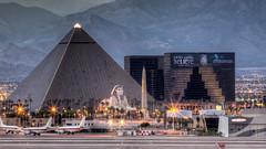 Sphinx Lookout (Jay Abramson) Tags: luxorpyramid luxorsphinx luxorskybeam mccarraninternationalairport lasvegasstrip canon5dmarkii valet for airplanes luxor hotel