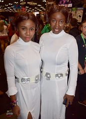 DSC_0011 (Randsom) Tags: newyorkcomiccon 2017 october7 nycc comic convention costume nyc javitscenter starwars scifi princessleia africanamerican black fantasy couple duo matchingcostumes cosplay halloween