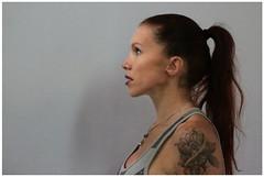 Se fixer un but... (Pi-F) Tags: femme profil tatouage sport regard cheveux queuedecheval coiffure caractère détermination but fixer portrait