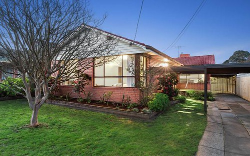 17 Monash Gv, Blackburn South VIC 3130