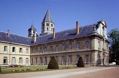 Cluny (Saône et Loire) (Cletus Awreetus) Tags: france bourgogne saôneetloire cluny abbaye clocher artroman architecture