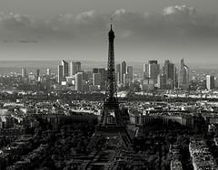 La tour  Eiffel  ... (Eric DOLLET - Absent quelques jours . A bientôt) Tags: ericdollet paris tour eiffel o