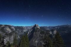 Glacier Point, Yosemite (Yek Huang) Tags: yosemite glacierpoint california nationalpark landscape longexposure nikon d4s 1424mm starrynight star night