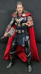 Hot Toys Thor (Camler) Tags: hottoys thor thorthedarkworld 16scale