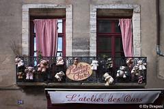 Uzès, France (mividaenpostales) Tags: windows ventanas finestre janelas uzes francia france