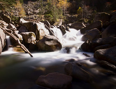 Chemin des cascades à Cauterêts (Core.Ash) Tags: montagne cauterets pyrenées waterfall longexposure rivière nature rochers cascade automne eau france