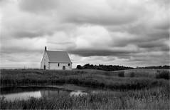 Chapelle Sainte-Anne (BrigitteChanson) Tags: bretagne breizh brittany illeetvilaine saintbroladre ciel nuages noiretblanc paysage chapelle étang prairie