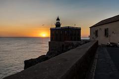 Levantando (Rey Romero) Tags: melilla amanecer ciudadela mar