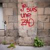 "#Manif10octobre #Nantes #GameOfTags: ""je suis une ZAD"" - #Résilience (ValK.) Tags: gameoftags loitravailxxl pjlterrorisme loitravail cabanedupeuple etatdurgencepermanant maisondupeuple nantes politique resilience valk demonstration ecologie fonctionpublique graff graffiti green greve herbe intersyndicale manifestationunitaire matiere nature resistance social tag vegetal vegetaux vert france fr zad nddl aeroport vinci notredamedeslandes ecrits"