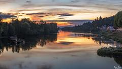 Coucher de soleil (Bruno. Thomé) Tags: pentaxk1 100mm panorama coucherdesoleil vienne rivière reflet france indreetloire chinon