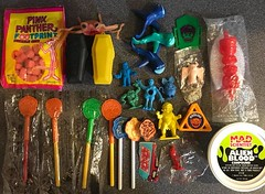 OCT 2017 Chicago Toy Show D (gregg_koenig) Tags: oct 2017 chicago toy show cereal candy vintage old collection premiums premium mr bones super sugar crisp monster pen shark bites capn crunch