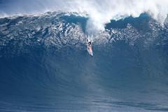 Billy Kemper finals bomb (Aaron Lynton) Tags: peahichallenge peahi jaws lyntonproductions canon 7d sigma hawaii maui xxl bigwave big wave wsl surf surfer surfing