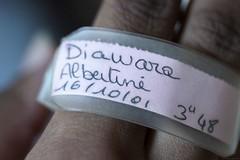 Souvenir, souvenir (Christelle Diawara) Tags: anniversaire naissance bracelet choupette albertine 16ansdéjà mafille souvenir macro canon600d 60mm birth birthday mybeloveddaughter sixteenyearsago macromondays doigts main