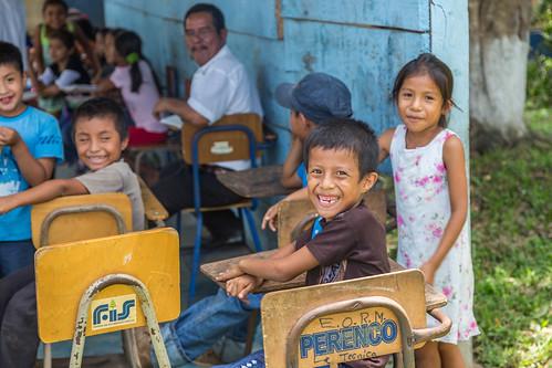 schoolkids at Frontera Corozal