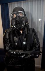 IMG_8927 (traveller-28) Tags: alien scifi pvc catsuit rubber latex gasmask breathplay fetish boots female linda jumpsuit totalenclosure gloves patent vinyl tumblr