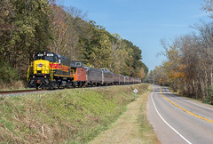 CVSR 365 leading CVSR Scenic (Chicago Line Railfan) Tags: cvsr cuyahoga valley scenic railroad riverview rd 365 peninsula oh ne ohio lg 1550 alco c420 fall peak