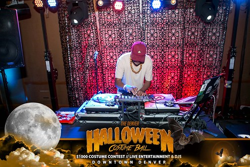 "Halloween Costume Ball 2017 • <a style=""font-size:0.8em;"" href=""http://www.flickr.com/photos/95348018@N07/24225097108/"" target=""_blank"">View on Flickr</a>"