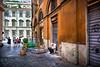 Rome snacks (Rey Cuba) Tags: italia italiatour italy snack streets rome romestreet streetphotography people italians building architecture