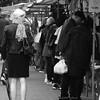 Afstand - Abstand - Distance (Ron Evers) Tags: rotterdam rotjeknor markt wochenmarkt streetlife strasenmarkt bw schwarzweis strasenfoto blackwhite blaak binnenrotte
