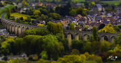 Saint Satur (France) en tilt shift (touflou) Tags: sancerre saintsatur cher vin vignes pont viaduc tiltshift bridge wine france