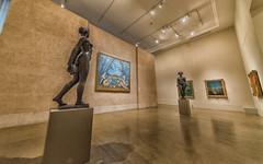 Dueling Sculptures at Philadelphia Museum of Art (Havoc315) Tags: museum art nikon d750 11mmf4 irix 11mm philadelphia irix11mm museumofart nikond750 philadelphiamuseumofart