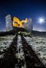 Aparición bajo la Luna (A.Coleto) Tags: noche nigh luna moon estrellas stars linterna calida fria canon alvaro coleto