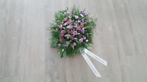 45mm offwhite rouwlint met violet bedrukt