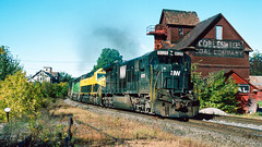 NW_9_25 (2)_crop_clean_R (railfanbear1) Tags: dh nw