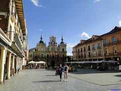 Astorga (santiagolopezpastor) Tags: espagne españa spain castillayleón león provinciadeleón maragatería maragato plaza plazamayor square barroco baroque townhall ayuntamiento