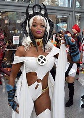 DSC_0821 (Randsom) Tags: newyorkcomiccon 2017 october7 nycc comic convention costume nyc javitscenter marvel superhero marveluniverse xmen hero mutant storm ororo cape africanamerican tiara cosplay contacts lipstick gloves