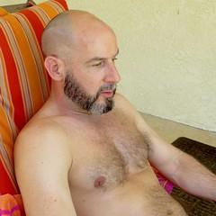 IMG_8344 (danimaniacs) Tags: shirtless man guy male mansolo beard scruff palmsprings bald