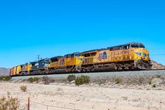 Union Pacific ES44AC 7692 (rmssch89) Tags: train railroad railway freight desert arizona unionpacific ge emd gevo sd70 es44 diesel yellow flag curve