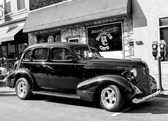 1937 Pontiac Four Door Sedan Street Rod (J Wells S) Tags: 1937pontiacfourdoorsedan streetrod blackandwhite bw monochrome hotrod chrome gm generalmotors ridesonmonmouthcarshow monmouthstreet newport kentucky cincinnati