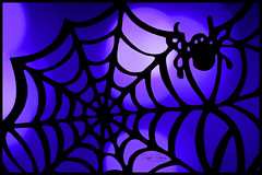 Itsy Bitsy Spider (Inky-NL) Tags: halloween macromondays ingridsiemons©2017 fujixt2 fuji60mmf24 spider spiderweb spin spinneweb silhouette bokeh spooky griezelig web hmm macro cupcakewrap