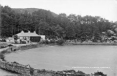 Hotel, Pontoon, Co. Mayo (National Library of Ireland on The Commons) Tags: robertfrench williamlawrence lawrencecollection lawrencephotographicstudio thelawrencephotographcollection glassnegative nationallibraryofireland pontoon comayo bay hotel shore healys healyshotel pontoonanglershotel loughcullin lake pontooncountymayo countymayo loughcullen anglershotel patrickhealy pontabhann bianconihaltingstop fishinghotel
