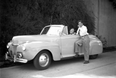 new wheels (Immane) Tags: usa 1940s blackandwhite monochrome film 620 6x9 vintage mediumformat analog kodaksix20 car automotive auto forties classic losangeles california 1941 ford superdeluxe convertible