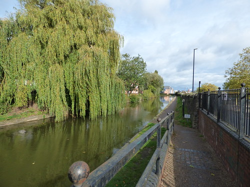 Coventry Canal - towpath near Leicester Row