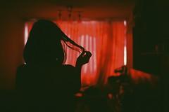 Morgana wants to get free... (ampiistola) Tags: レッド aka 猩々緋 紅赤 バラ 薔薇色 ばら色 バラ色 茜色 臙脂 銀朱 深緋 ワイン 紅 真紅 深紅 いろ 色 赤色 红色 rot czerwień czerwony rosso rood laranja röd rooi أحمر bermeyu carmín kırmızı roig đỏ rød červená
