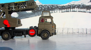 Dinky Toys Model No. 970 Jones Fleetmaster Cantilever Crane 1973 Restoration And Conversion To Military Style : Diorama Winter Scenery - 7 Of 36