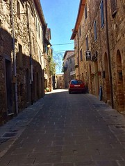 Always beautiful! 😍👌 meet us in Castelnuovo dell'Abate for a great holiday in #Tuscany 👍 #like #follow #castelnuovodellabate #montalcino #italy #travel #discover #enjoy #nature #medioeval #borgo #history (borghettob) Tags: tuscany like follow castelnuovodellabate montalcino italy travel discover enjoy nature medioeval borgo history
