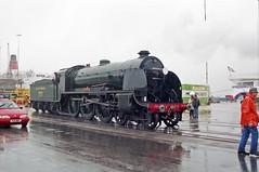 Overlord+50 : 777 Sir Lamiel in So'ton E Docks, 4 June 1994 (Ian D Nolan) Tags: railway railtour 35mm om40 epsonperfectionv750scanner dday southamptondocks n15 lswr sr 777 460z