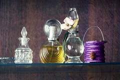 (franconiangirl) Tags: maison falkon parfum parfüm perfume verlassen ehemalig wohnhaus house haus residence residential urbex ue urbanwandering fläschchen ruraldecay oncewashome